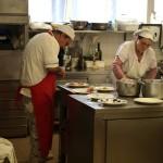Ristorante-Hotel-San-Crispino-Macerata...in-cucina-si-lavora-solo-in-2...Loris e Marina e-gli-altri.jpg
