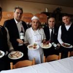 Ristorante-Macerata-piatti personale -e-vino-rosso.jpg