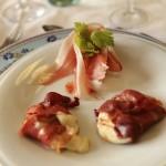 Ristorante-a-Macerata-bocconcini di mozzarella grigliata con prosciutto-crudo-e-crostini.jpg